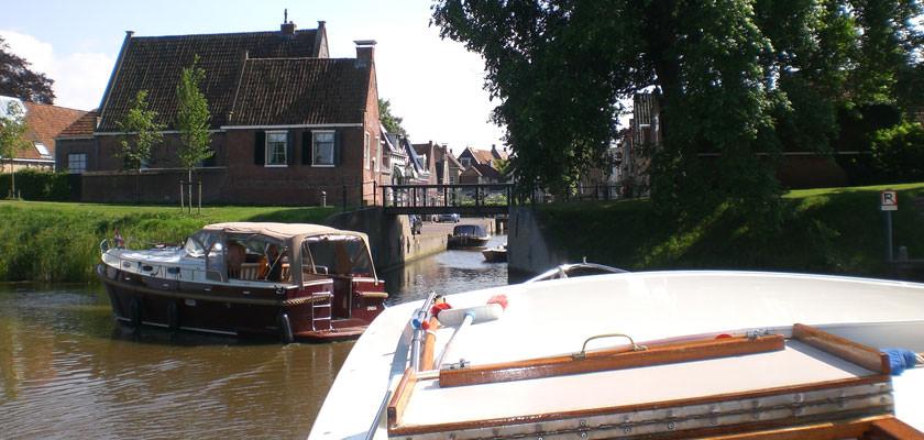 http://www.yachtcharterwetterwille.com/uploads/images/slider/2e-weekend-ymkje-022.jpg