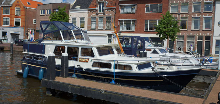 http://www.yachtcharterwetterwille.com/uploads/images/slider/Holland-2012-247.jpg