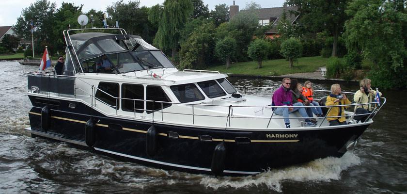 http://www.yachtcharterwetterwille.com/uploads/images/slider/harmony.jpg