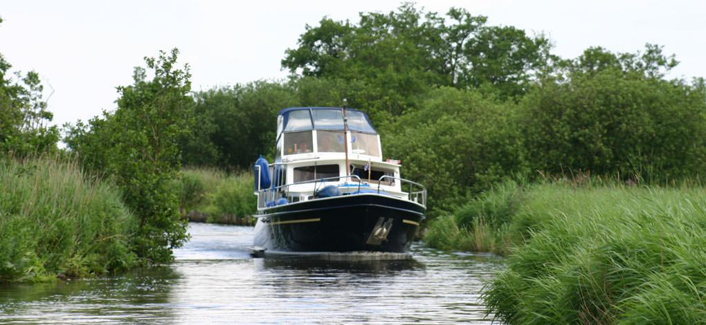 http://www.yachtcharterwetterwille.com/uploads/images/slider/home/minerva-natuur-groot.jpg